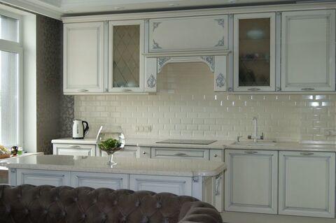 Продажа 3-х комнатной квартиры с дизайнерским ремонтом в С-Петербурге - Фото 1
