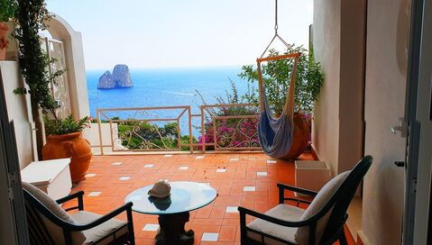 Аренда эксклюзивной виллы для отдыха на острове Капри, Италия - Фото 3