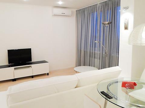 Сдаётся квартира-студия на ул. Тимирязева в новом доме. - Фото 1