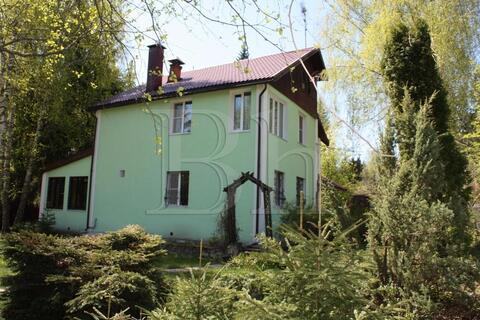 Уютный тёплый дом на на лесном участке с вековыми деревьями в 29 км . - Фото 1
