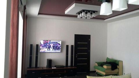 В аренду 2 комнатная квартира с дорогим ремонтом , студия. - Фото 1