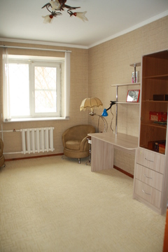 4 комнатная квартира Комсомольский 44а, Купить квартиру в Челябинске по недорогой цене, ID объекта - 326905866 - Фото 1