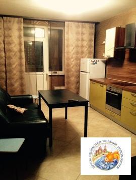 Отличная, меблированная, однокомнатная квартира. г. Екатеринбург. - Фото 1