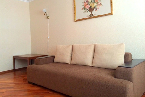 Сдам двухкомнатную меблированную квартиру на длительный срок - Фото 2