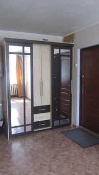Продаю комнату-секционку с мебелью в Центре по пр. Мира, 6, Купить комнату в квартире Чебоксар недорого, ID объекта - 700780076 - Фото 1