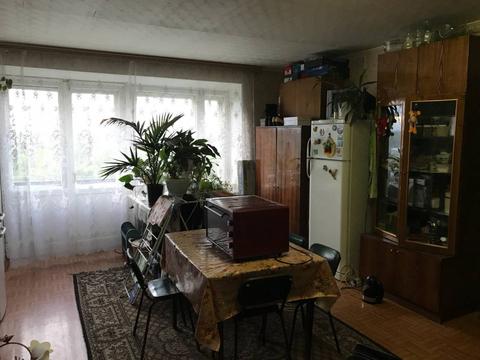 Нижний Новгород, Нижний Новгород, Московское шоссе, д.233, комната на . - Фото 1