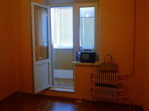 Продажа трехкомнатной квартиры на улице Есенина, 24 в Белгороде, Купить квартиру в Белгороде по недорогой цене, ID объекта - 319752006 - Фото 1