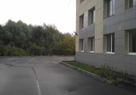 Продам здание 3100 кв.м. на Орджоникидзе, 1а в Ижевске - Фото 1