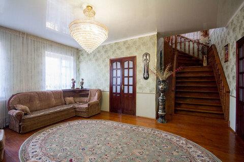 Добротный кирпичный дом - Фото 2