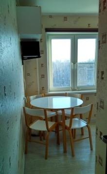 Продается отличная с евроремонтом 2 комнатная квартира в пос. Правдинс - Фото 1