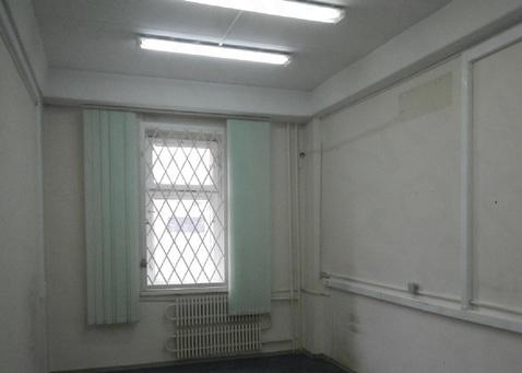 Помещение в торгово-офисном центре. 74,1 кв.м. Первый этаж, отд. вход - Фото 1