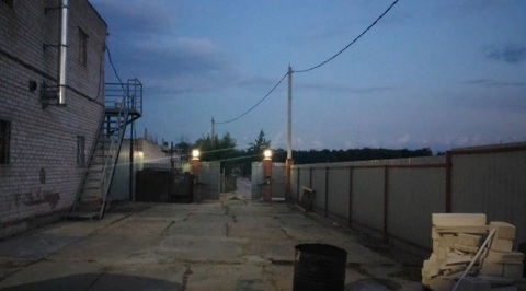 Ангар 450м2 + парковка 300м2 в городе - Фото 1