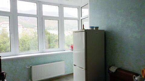 Продается квартира Краснодарский край, г Геленджик, ул Шмидта, д 1 - Фото 3
