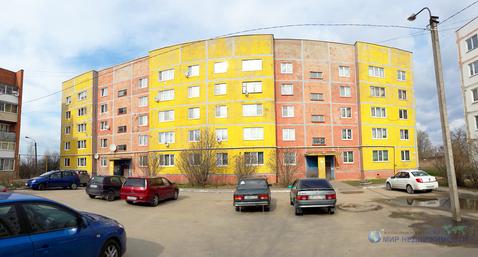 Просторная просторной двухкомнатной вартиры в городе Волоколамске - Фото 1