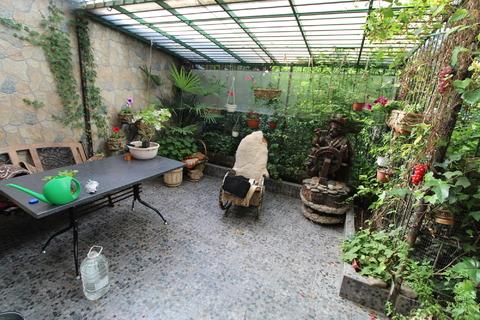 3-кв в центре Ялты со своим двором и зоной отдыха, с отличным ремонтом - Фото 1