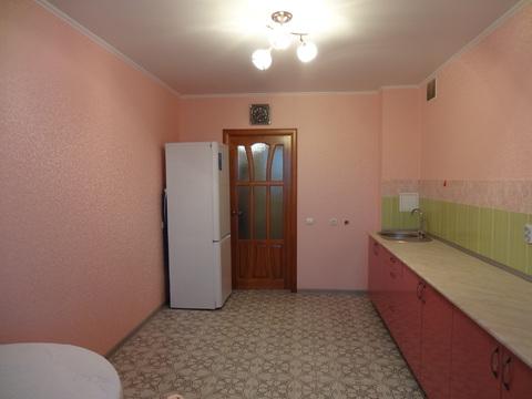 1-комнатная улучшенка, ул. С. Батыева, 17, 2/10 эт. кирп. - Фото 4