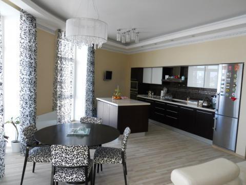 Сдается трехкомнатная квартира в Центре города. - Фото 1