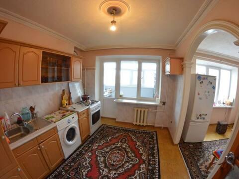 Продажа четырехкомнатной квартиры на улице Гутякулова, 3 в Черкесске, Купить квартиру в Черкесске по недорогой цене, ID объекта - 319818777 - Фото 1