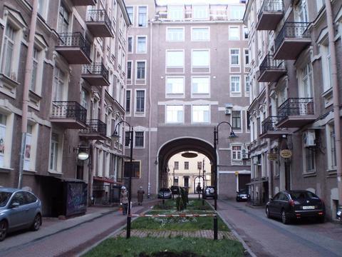Продается 9 комнатная квартира на Невском пр, д.88 - Фото 1