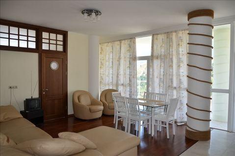 Цена снижена, квартира с ремонтом, новый дом Гурзуф - Фото 1