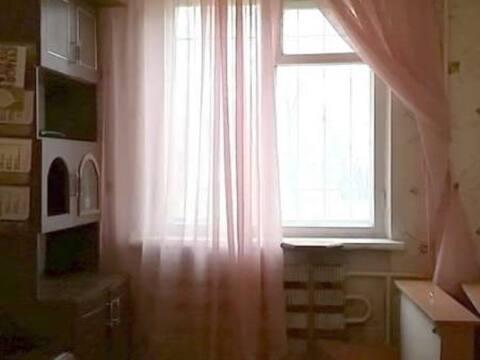 500 000 Руб., Продажа комнаты в трехкомнатной квартире на бульваре Гусева, 4 в Твери, Купить комнату в квартире Твери недорого, ID объекта - 700754054 - Фото 1