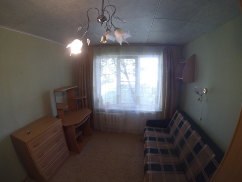 Сдается комната в трехкомнатной квартире. - Фото 1