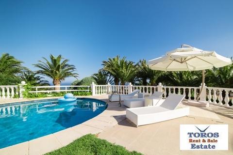 Недвижимость в Испании Алтея - элитная вилла - Фото 1