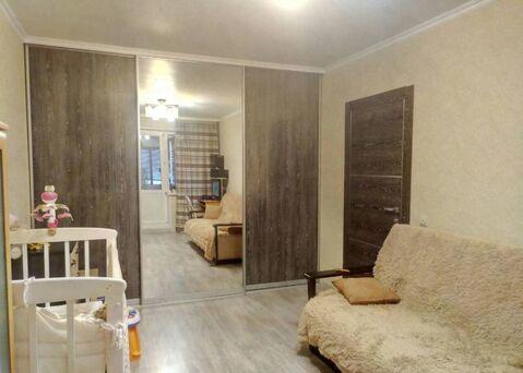 Сдается комната в двухкомнатной квартире Братск, Подбельского, 19 - Фото 1