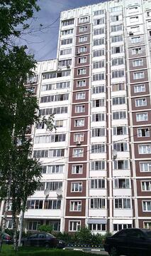 В аренду просторная 1-комн. квартира, ул. Обручева,22 - Фото 1