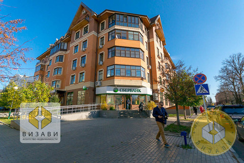 3к квартира 77 кв.м. Звенигород, ул. Комарова 17, самый центр - Фото 1
