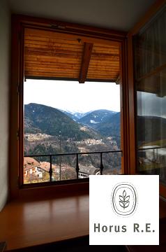 Часть дома с землей и видом на равнину и горы в регионе Трентино - Фото 2