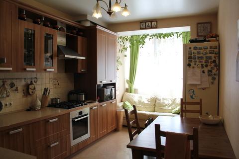 Продам 3-х комнатную квартиру в кирпичном доме - Фото 1