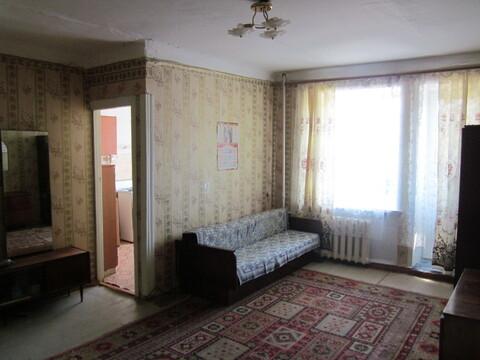 Продаю 1 комнатную в центре К. Маркса 93 средний этаж., Купить квартиру в Кургане, ID объекта - 332146969 - Фото 1