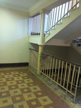 4-к Комната, Красноказарменная улица, 9 - Фото 2