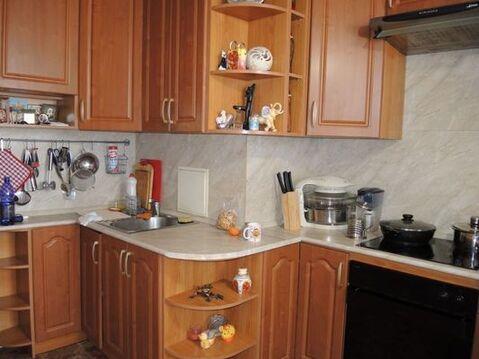 Продам двухкомнатную (2-комн.) квартиру, 5к1, Голубое д - Фото 2