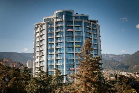 Просторная квартира с панорамным остеклением новом доме на Набережной - Фото 1