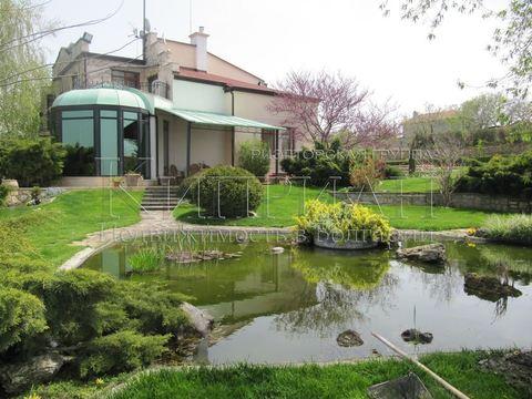 Роскошный дом в 15 км от Варны в парке с озеро - Фото 1
