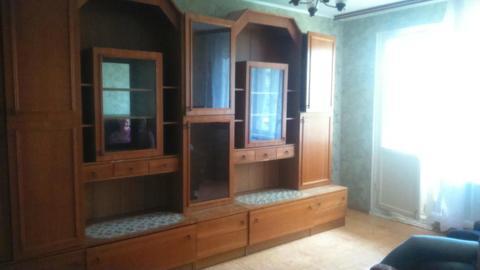 1-комнатная квартира на ул. Комиссарова, 59 - Фото 1