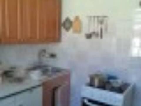 Продажа двухкомнатной квартиры на Краснофлотской улице, 6 в Корсакове, Купить квартиру в Корсакове по недорогой цене, ID объекта - 319882587 - Фото 1