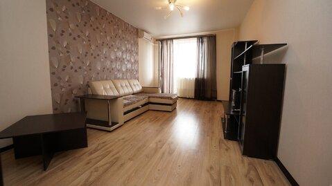 Купить большую однокомнатную квартиру с ремонтом в ЖК Лазурный. - Фото 1
