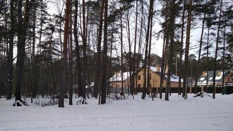 1/2 дома на небольшом клочке земли в окружении столетних сосен, в крас - Фото 3