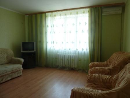 1 комнатная кв-ра с нишей г.Ильичевск, на первой линии домов до моря - Фото 4