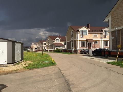 Просторный таунхаус в жилом поселке, всего в 25 км. по Киевскому шоссе - Фото 4