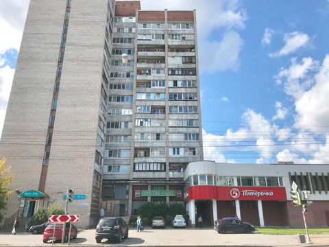Объявление №52320429: Продаю комнату в 6 комнатной квартире. Санкт-Петербург, ул. Есенина, 22к1,