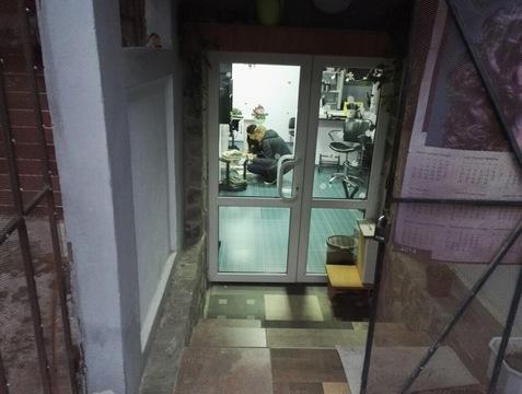 Действующая парикмахерская в жилом районе Ялты - Фото 3
