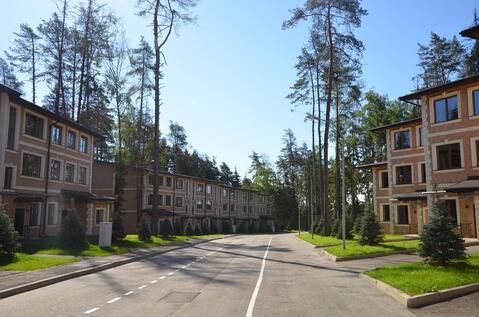 Таунхаус в жилом поселке на Новорижском шоссе 9 км в лесу рядом озеро - Фото 4