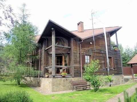 Дом необычной архитектуры на живописном участке в уютной деревне около . - Фото 1