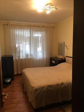 Отличная трёхкомнатная квартира с мебелью, быт.техникой на пр.Королёва - Фото 1