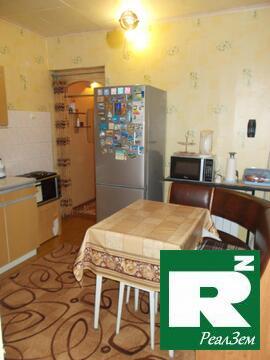 Трехкомнатная квартира 64 кв.м. с гаражом в городе Боровск - Фото 1