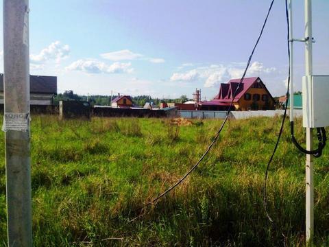 Участок 15 сот. в деревне со светом 15 квт, колодцем и хозблоком (ПМЖ)